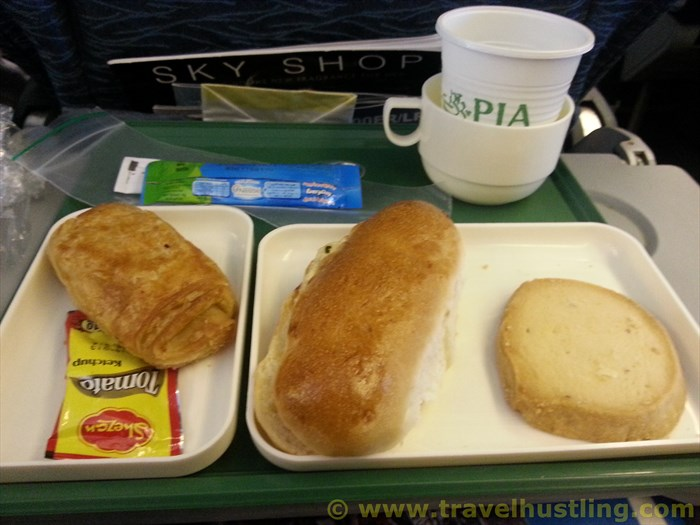 PIA breakfast on 10am flight to Karachi